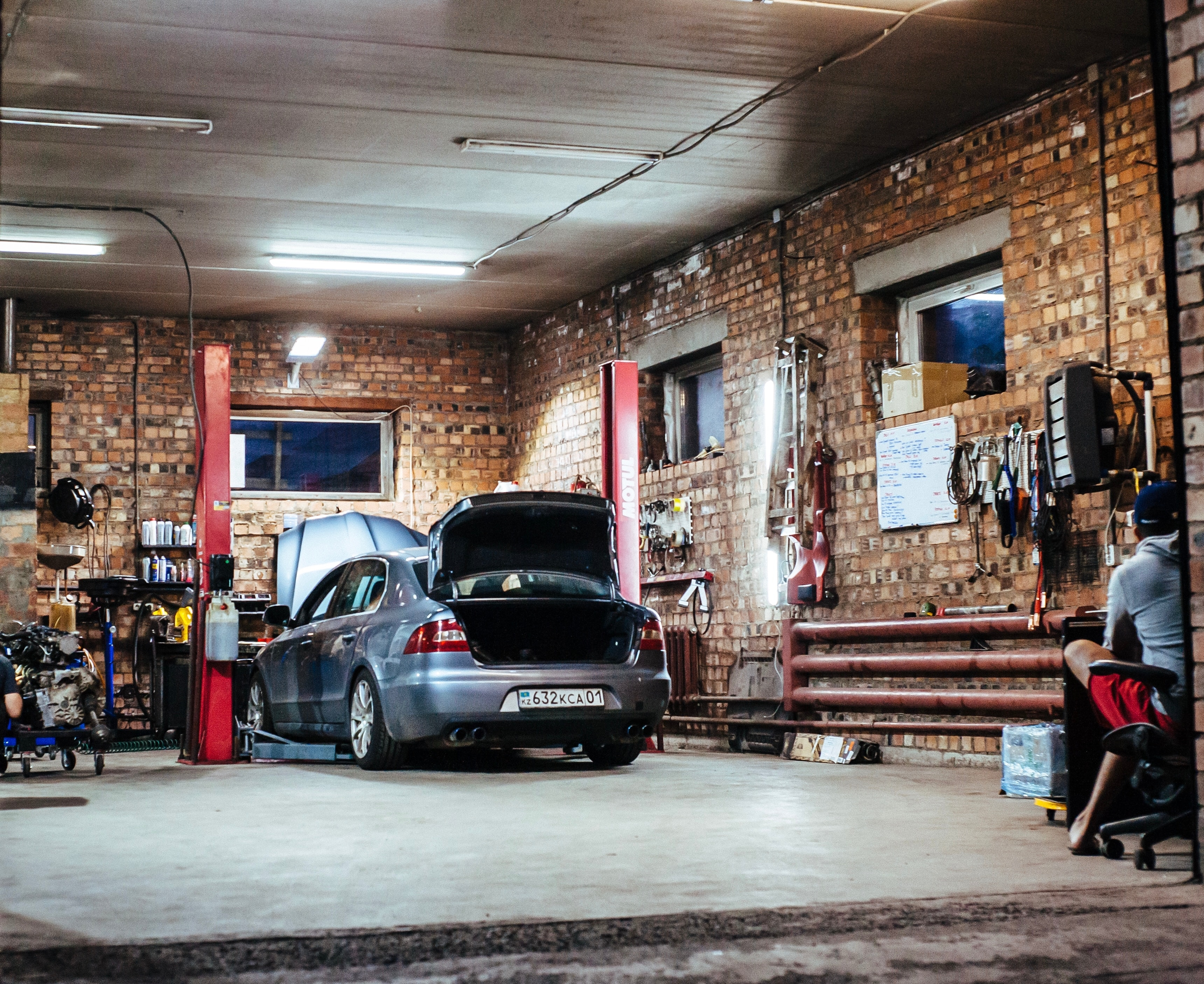 Where Can You Find a Reliable Paintless Dent Repair Service in Denver, CO?